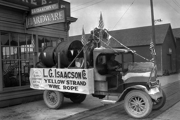 history-slider-parade-car